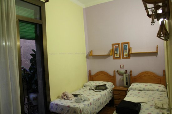 Pension Alamar:                   A twin room