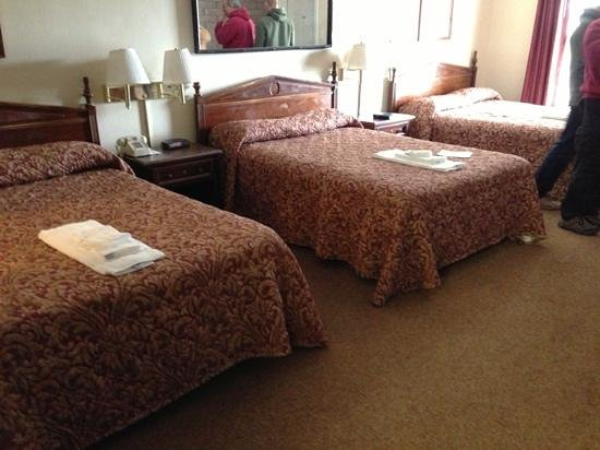 Ambassador Inn:                   another view of the 3 bed suite.