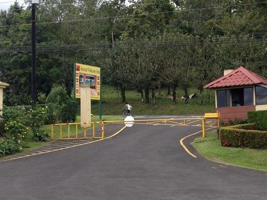 Arenal Volcano Inn:                   Entrada