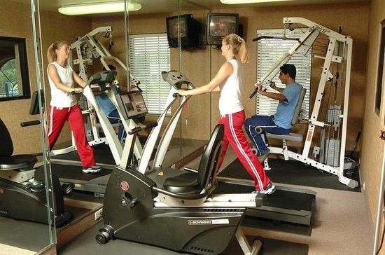 Days Inn Suites San Antonio North/Stone Oak: Fitness Center