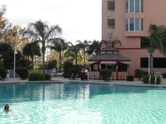 Blue Heron Beach Resort:                   piscina com serviço de pesticos (opcional)