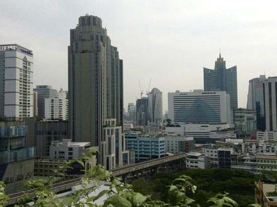 Adelphi Suites Bangkok: Vista desde la habitación