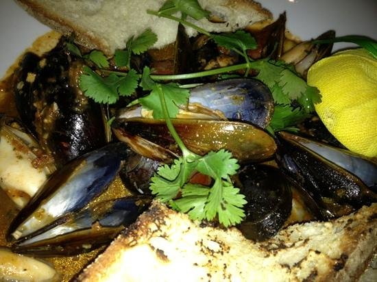 The Ale House Columbia: Diablo Mussels