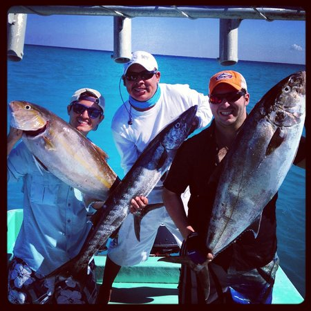 Fishing with Captain Salas:                   Torneo de jigging
