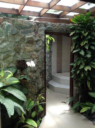 โรงแรมอาลัม ส่าหรี เคลิกิ:                   Cuarto de baño
