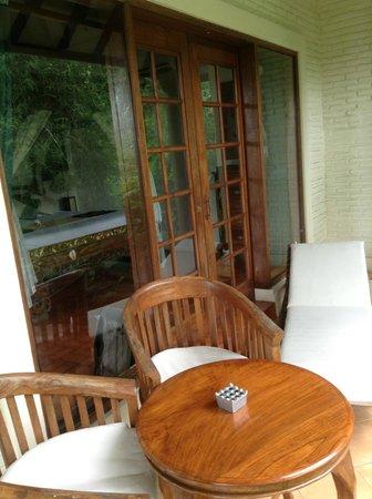 Alam Sari:                   Terraza de la habitación