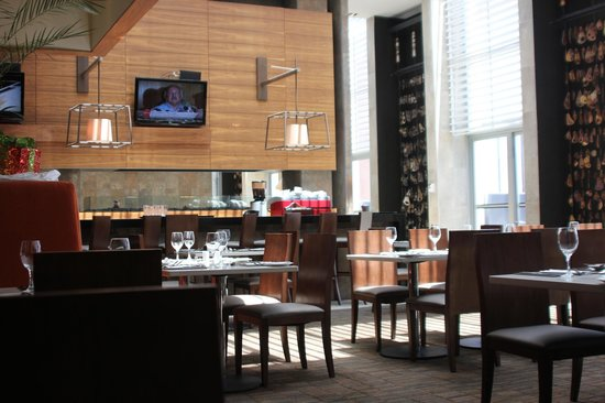 Hilton Garden Inn Santiago Airport:                   Restaurant at HGI Santiago