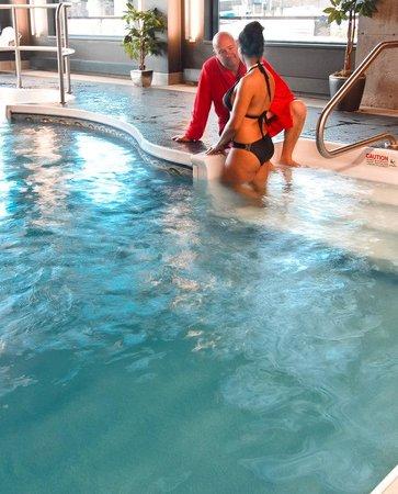 Grand Times Hotel Sherbrooke: Pool