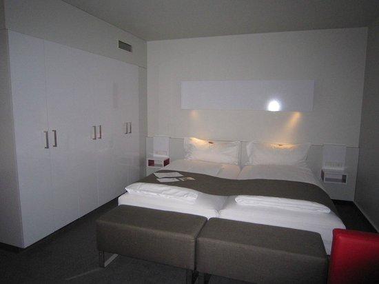 Zimmer bild von dormero hotel hannover hannover for Zimmer hannover