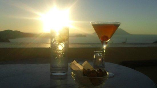 Utopia Cafe:                   Good drinks