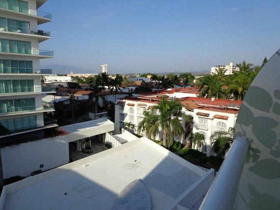 Hilton Puerto Vallarta Resort:                   vue coté jardin