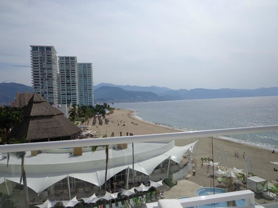 Hilton Puerto Vallarta Resort:                   Vue du Sushi bar