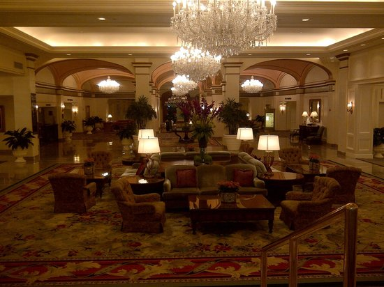 Omni Shoreham Hotel:                                     Beautiful lobby  area