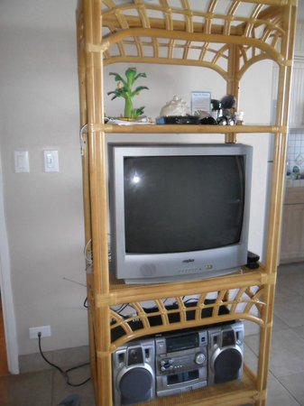 Noelani Condominium Resort:                   TV and Boom box