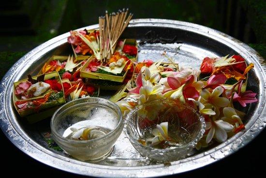 Citrus Tree Villas - Mai Malu:                   毎朝お母さんがお祈りで捧げているお花たち。