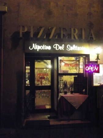 Il Nipotino del Solitario :                   Abends in Rom