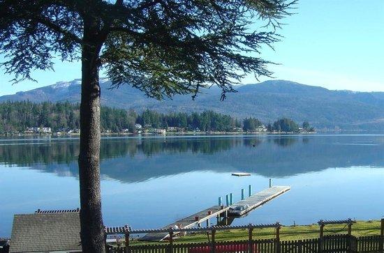 MoonDance Inn : Lake View