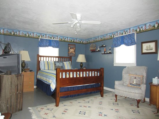 Blue Ridge Inn Bed & Breakfast: Lighthouse ROom