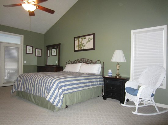 Blue Ridge Inn Bed & Breakfast: Grand Suite Bedroom