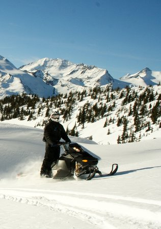 ‪Rocky Mountain Riders Snowmobile Tours and Rentals‬