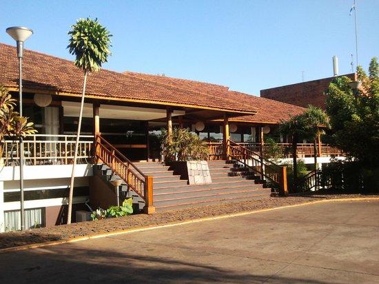 Raices Esturion Hotel:                   Frente