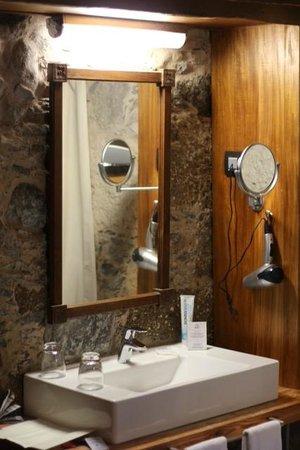 Hotel Rural El Mondalon:                   Waschbereich