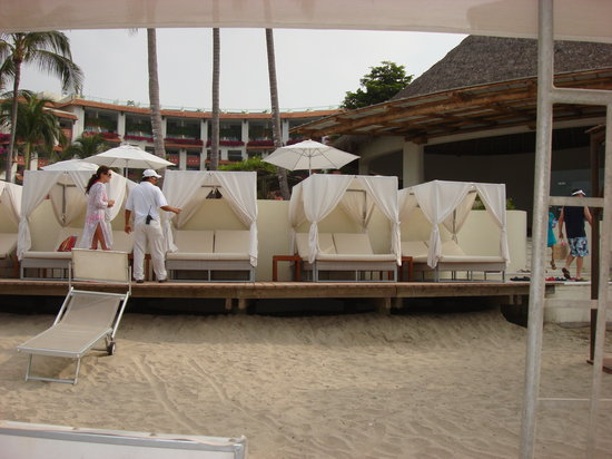 Grand Velas Riviera Nayarit: Cabana's on the beach
