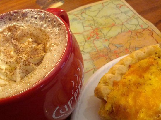 Cuppers Coffee House: Peanut butter mocha coffee and quiche