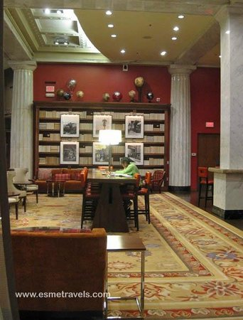 The Hotel Minneapolis, Autograph Collection: Smart Library