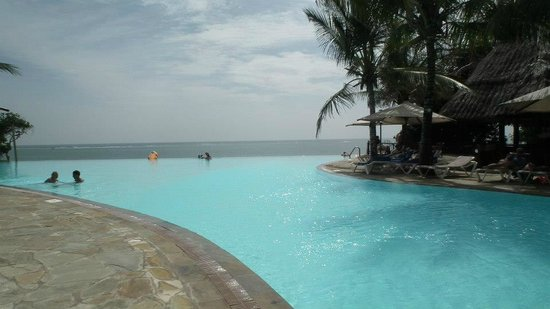 The Baobab - Baobab Beach Resort & Spa:                   Infinity pool at Baobab