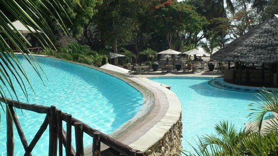 Baobab Beach Resort & Spa:                   stunning pools at baobab