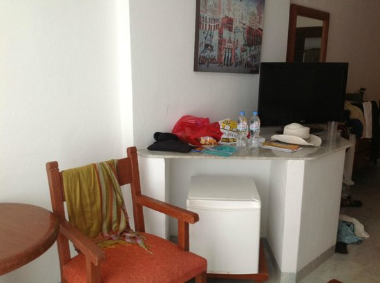 Flamingo Cancun Resort:                   Refrig, Table, Chair, Flat TV