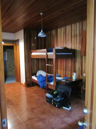 Arco Iris Lodge: bunk beds