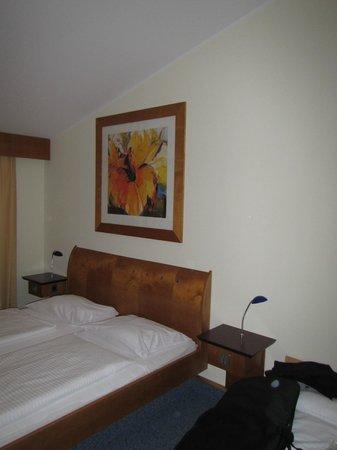 Axxe Motel Leipheim Süd:                   Bed