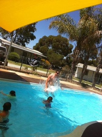 Discovery Parks – Moama West:                   go dave