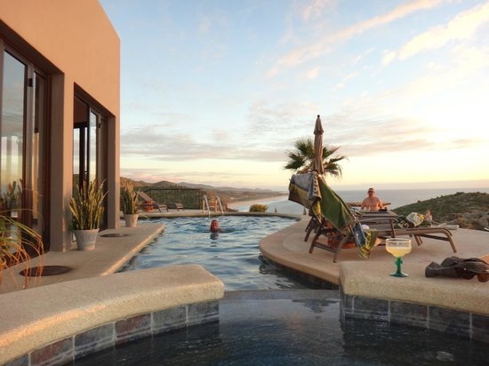 Arriba de la Roca:                   margaritas, sunsets & swims