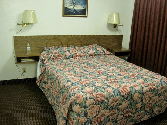 Town House Motel:                   Bed in the 2nd room