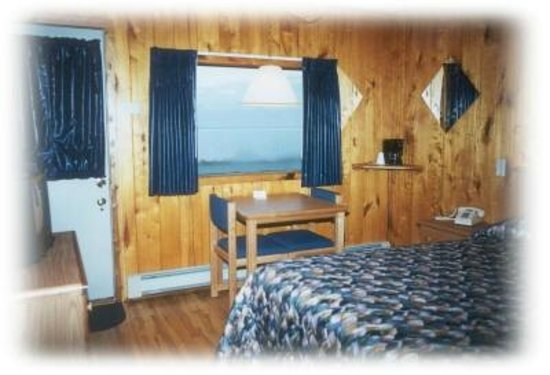 The Outpost Motel: Motel room with lake view
