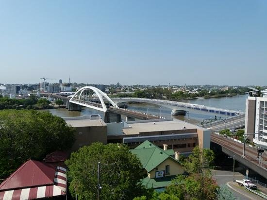 Brisbane City YHA: view from the rooftop pool area