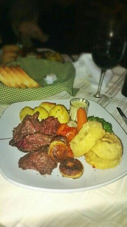 Il Girna Restaurant:                   Beef fillet Chateaubriand au par