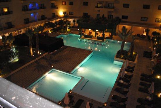 Piscine picture of opera plaza hotel marrakech for Bab hotel marrakech piscine
