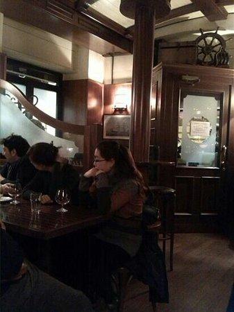 Bounty Pub:                   Ottima atmosfera