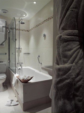 Draycott Hotel: Bathroom