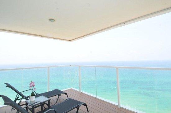 Island Suites Hotel: Island Suite Balcony