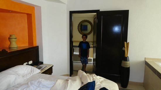 Hard Rock Hotel Riviera Maya:                   Suite familiar
