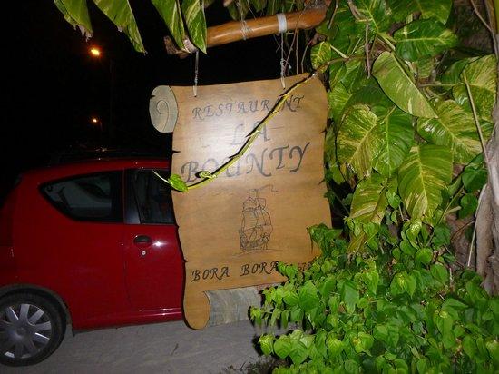 La Bounty : in front of restaurant