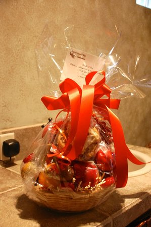Adobe Grand Villas:                   Amazing gift basket from the Innkeepers