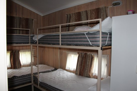 Secura Lifestyle Happy Hallidays :                   2 Bed Deluxe Cabin - 4 bunk beds