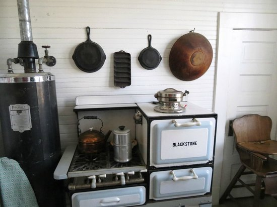 Nice President William Jefferson Clinton Birthplace Home: Stove And Hot Water  Heater Area In The Kitchen