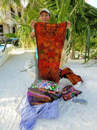 Belizean Shores Resort: Local selling tapestries on beach near Belizean Shores